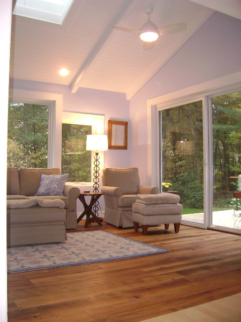 AFTER: A NEW T&G BEAMED CEILING CREATES A COTTAGE FEEL