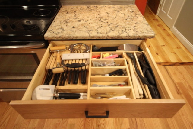 UTENSIL/KNIFE ORGANIZER DRAWER